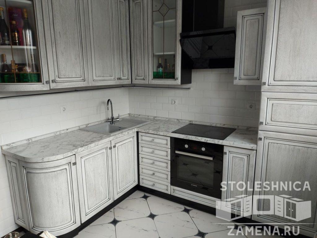 столешница под серую кухонную мебель